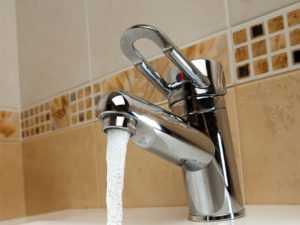 Монтаж смесителя на кухне своими руками: особенности подключения. Монтаж и подключение смесителя на кухне своими руками