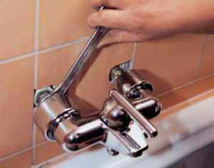 Как соединить смеситель с металлопластиковой трубой в ванной