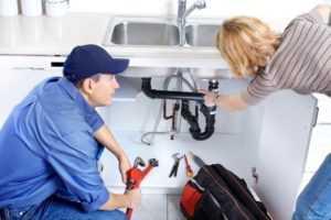 Запах из раковины на кухне: как устранить в домашних условиях самостоятельно