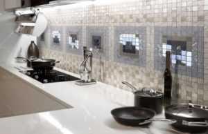 Фартук для кухни из мозаики: дизайн, виды материалов, фото