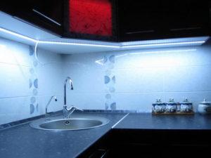 Светодиодная подсветка на кухне: источники света, питание, монтаж