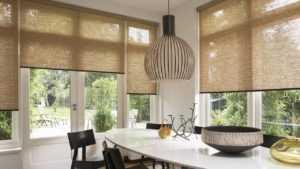 Как красиво совместить рулонные шторы и тюль - советы и фото примеры