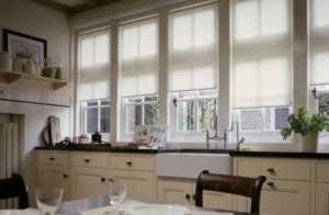 Короткие шторы для кухни: достоинства, разновидности, 45 фото