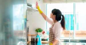 Проверенные способы чистки кухонных фасадов