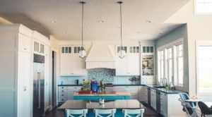 Люстры для кухни: 80 фото, правило выбор, дизайнерские модели