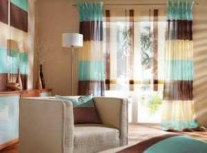 Обои в цветочек в интерьере спальни и кухни: фото и тонкости подбора штор к ним