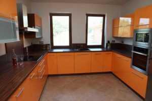 Стол-подоконник на кухне (42 фото): как использовать, украсить, оформить дизайн своими руками, инструкция, фото и видео-уроки по изготовлению шкафа