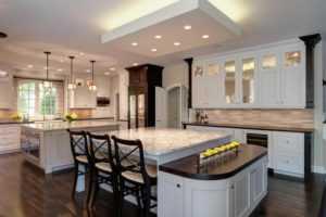 Освещение на кухне с натяжным потолком - расположение светильников
