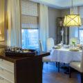 Римские шторы на кухню: 55  фото в интерьере, современные идеи оформления окна